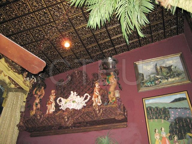 gold-antique-ceiling-tiles