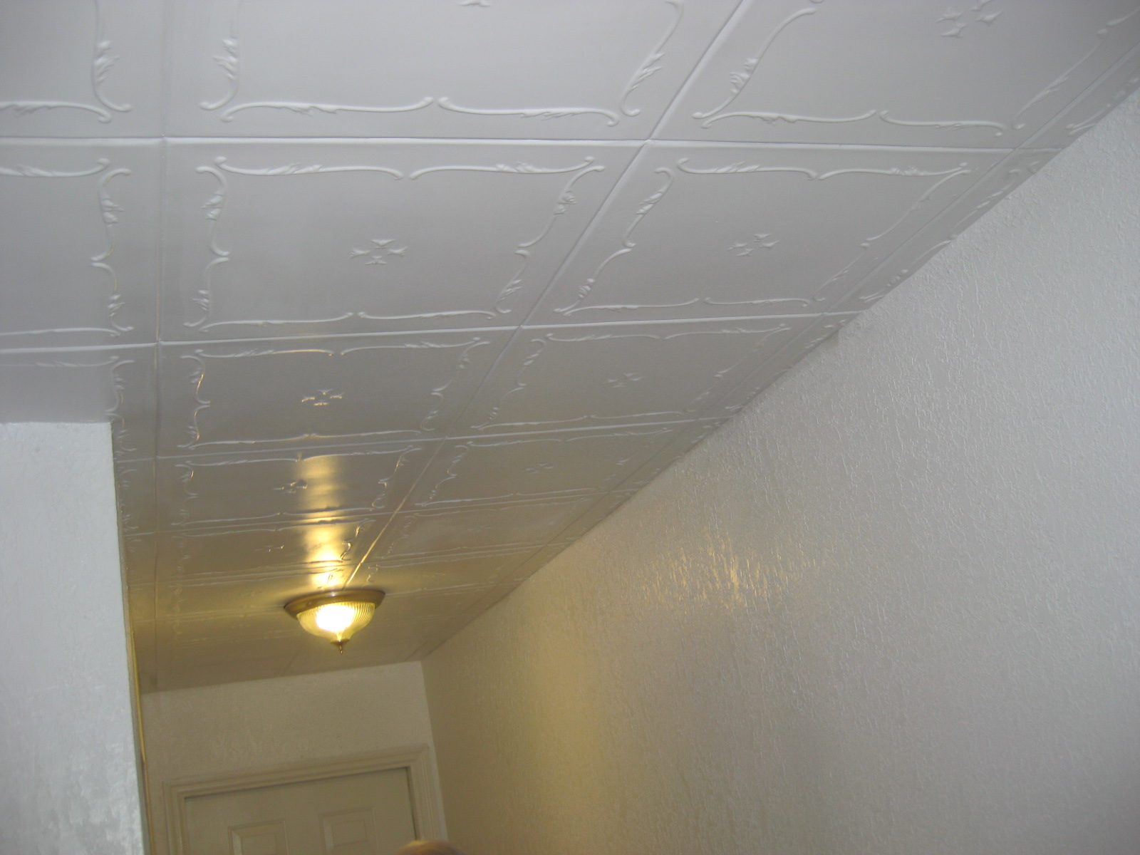 Styrofoam ceiling tiles installed styrofoam r 5 2 dailygadgetfo Image collections