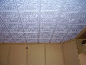 Install plastic tile glue up